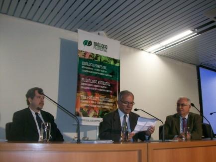 Diálogo traz ciência a debate sobre água e silvicultura