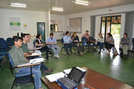 Encontro do Fórum SP discute diretrizes socioambientais e regimento interno