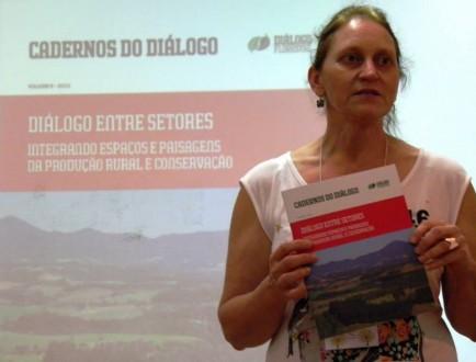 Diálogo Florestal lança sexto volume do Cadernos do Diálogo