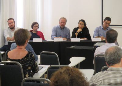 Debate estratégico. Foto: Almir Requião.