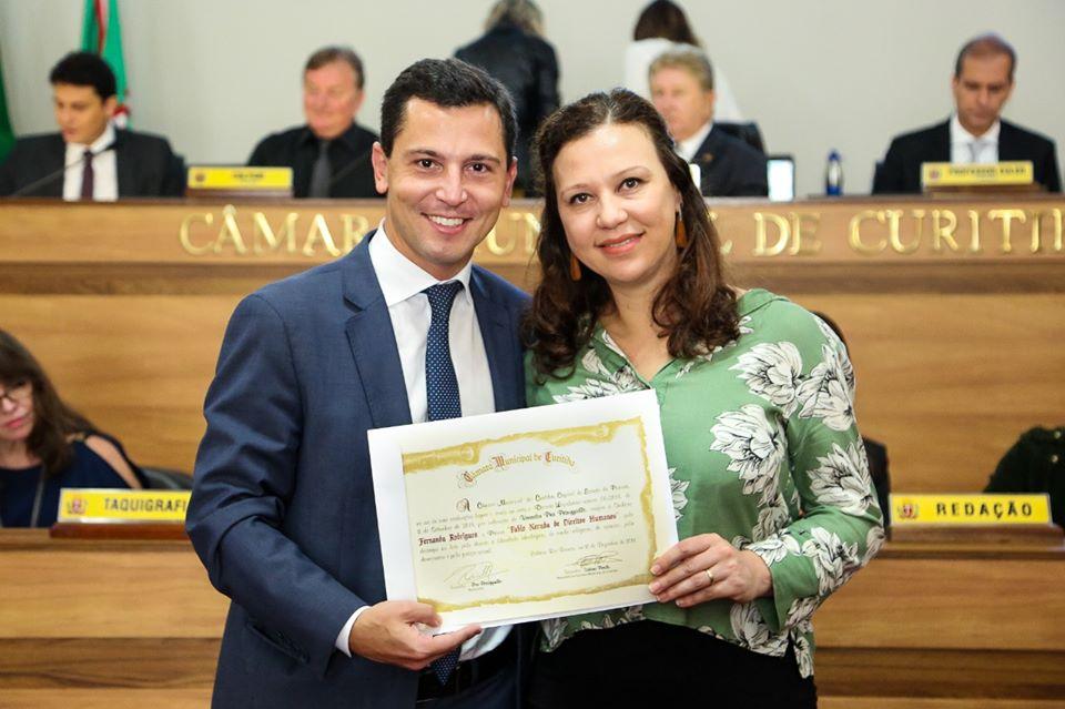 Secretária Executiva do Diálogo Florestal recebe prêmio em Curitiba